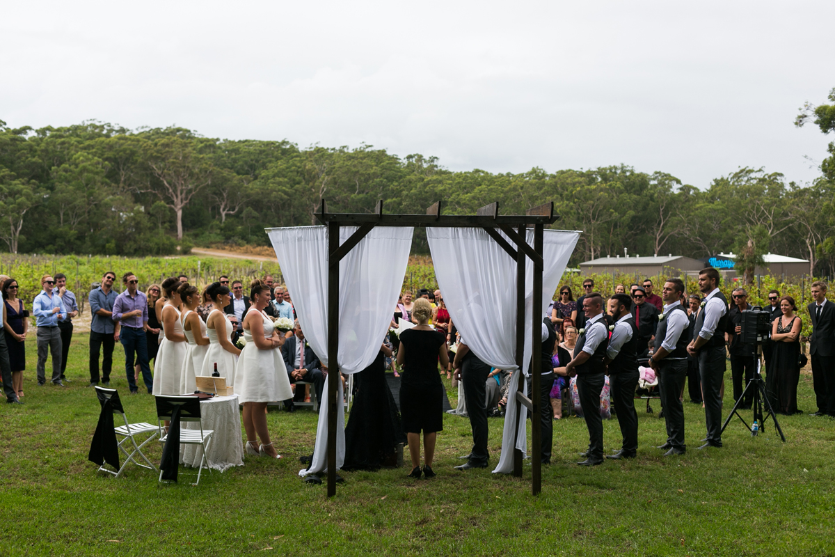 10-port-stephens-wedding-photographers-at-murrays-brewing-co